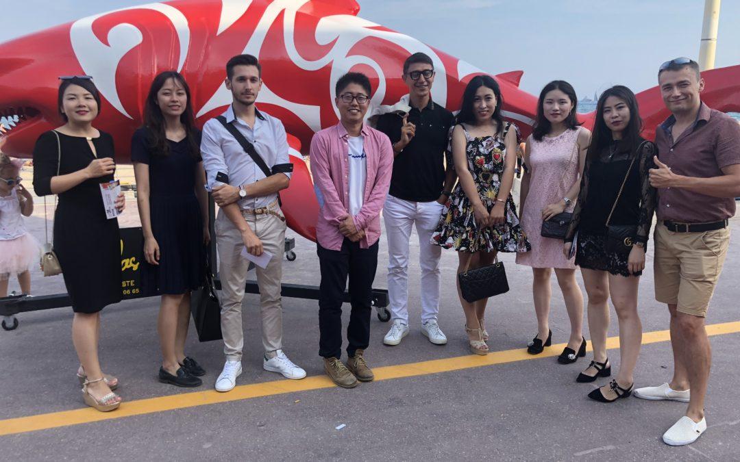 MonAsia a organisé une visite d'une exposition d'art à Cannes