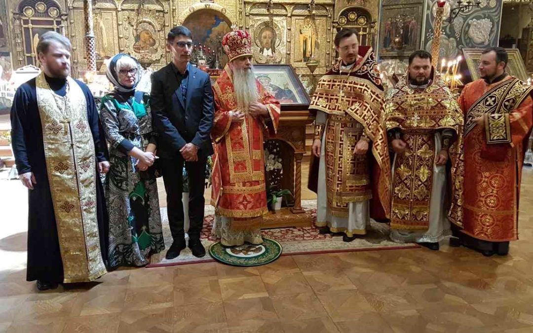 """The icon """"Inexhaustible Chalice"""" offered by our President Mikhail Nefedov to Saint Nicholas Cathedral"""